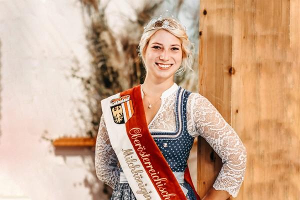Tina Austaller (24) aus Lindach ist für die nächsten 3 Jahre OÖ Milchkönigin.